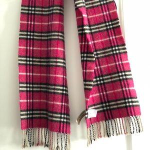 Burberry pink lambs wool scarf